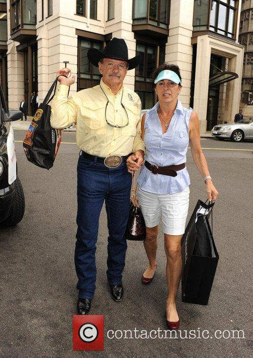 Ron Bergeron arrives back at his London hotel...