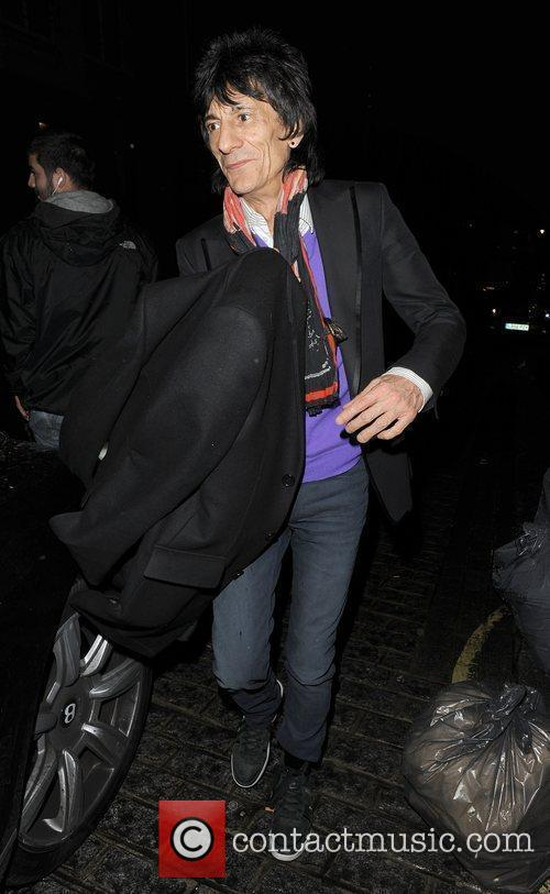 Ronnie Wood, his girlfriend Ana Araujo leaving a restaurant in Mayfair and having enjoyed dinner there together 10