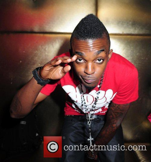 Performs live on stage at the nightclub Sobe...