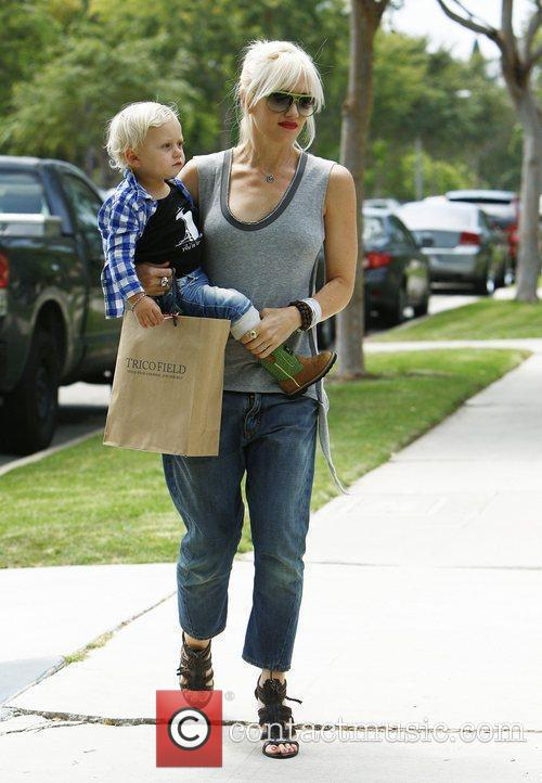 Gwen Stefani shopping with her youngest son Zuma...