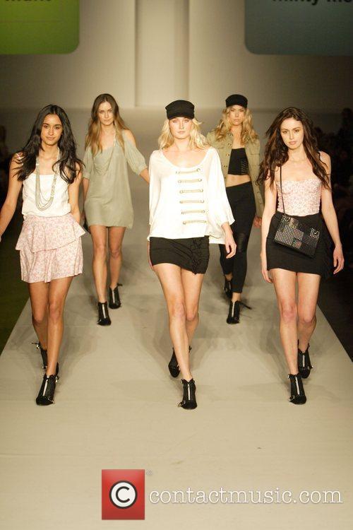 Model 2010 Rosemount Sydney Fashion Festival - Minty...