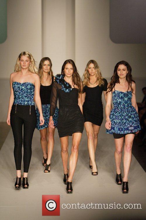 Model 2010 Rosemount Sydney Fashion Festival - 'T'...
