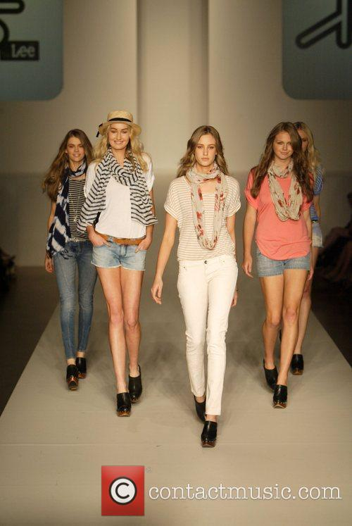 Model 2010 Rosemount Sydney Fashion Festival - Riders...
