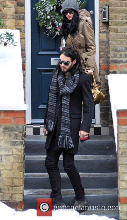 Russell Brand and Katy Perry leave Russell's house...