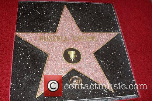 Russell Crowe is honoured with the 2404th star...