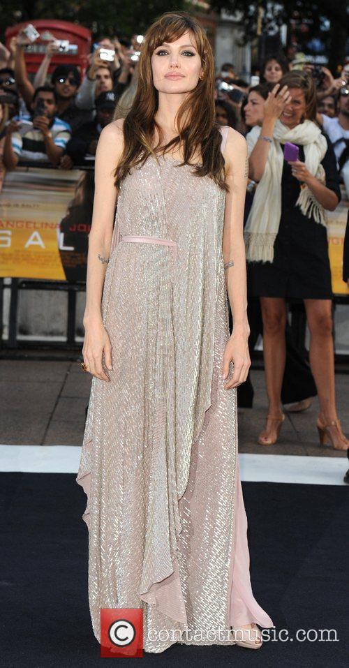 Angelina Jolie 22