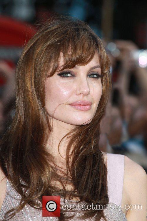 Angelina Jolie 46