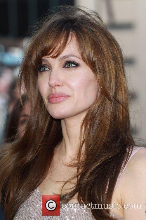 Angelina Jolie 44