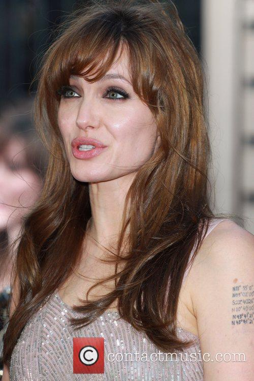Angelina Jolie 31