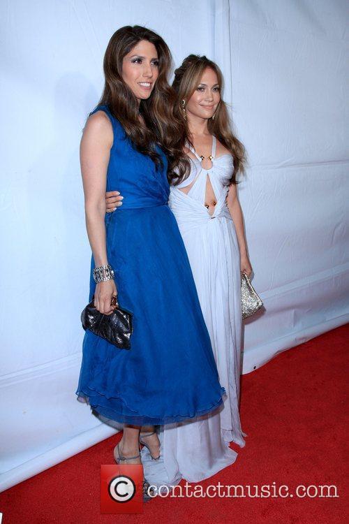 Lynda Lopez and Jennifer Lopez