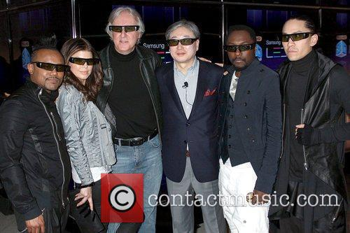 Black Eyed Peas and James Cameron 4