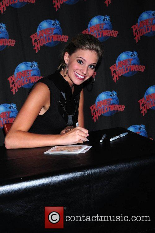 Sarah Marince signing at Planet Hollywood