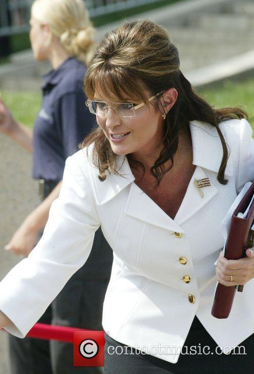 Sarah Palin Rally honouring America's serivce personnel and...