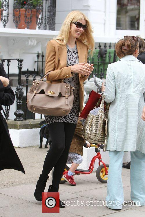 Claudia Schiffer after dropping her daughter at school...