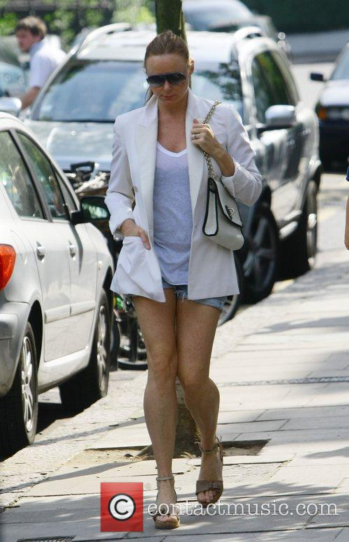 Pregnant Stella McCartney making her way home after...