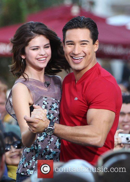 Selena Gomez and Mario Lopez 6
