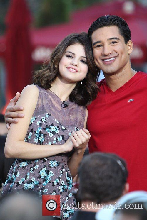 Selena Gomez and Mario Lopez 4