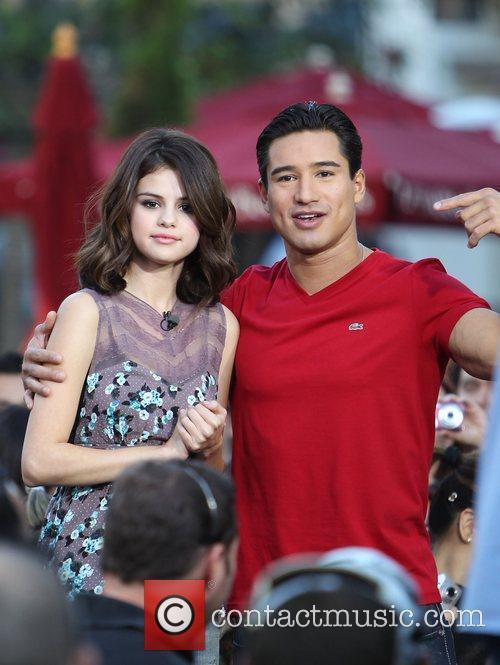 Selena Gomez and Mario Lopez 10