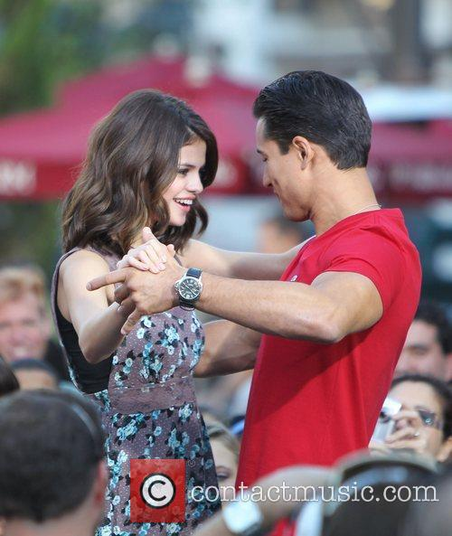 Selena Gomez and Mario Lopez 17