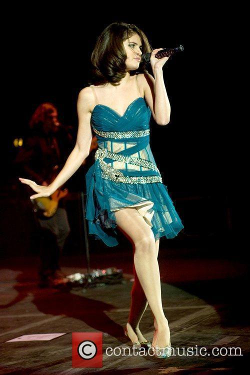 Selena Gomez 34