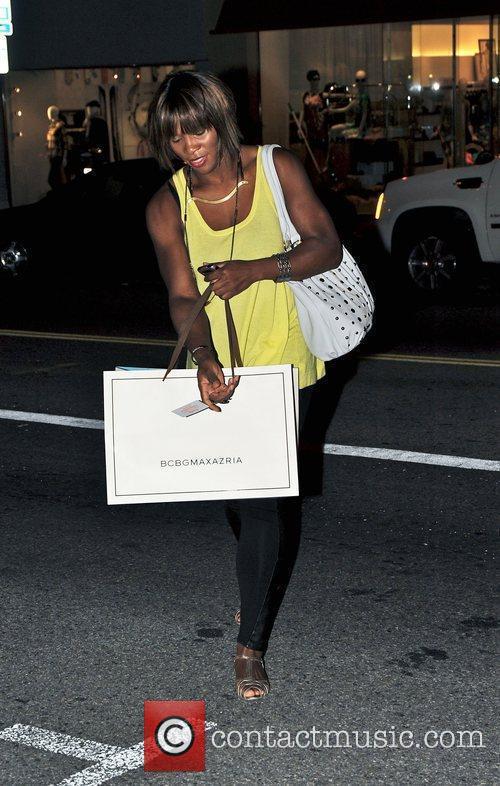 Serena Williams shopping on Robertson Boulevard Los Angeles,...