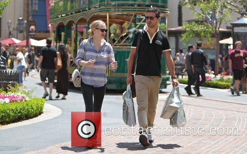 Amanda Seyfried and Dominic Cooper 6