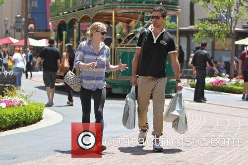 Amanda Seyfried and Dominic Cooper 17