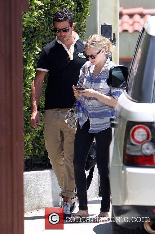 Amanda Seyfried, Dominic Cooper