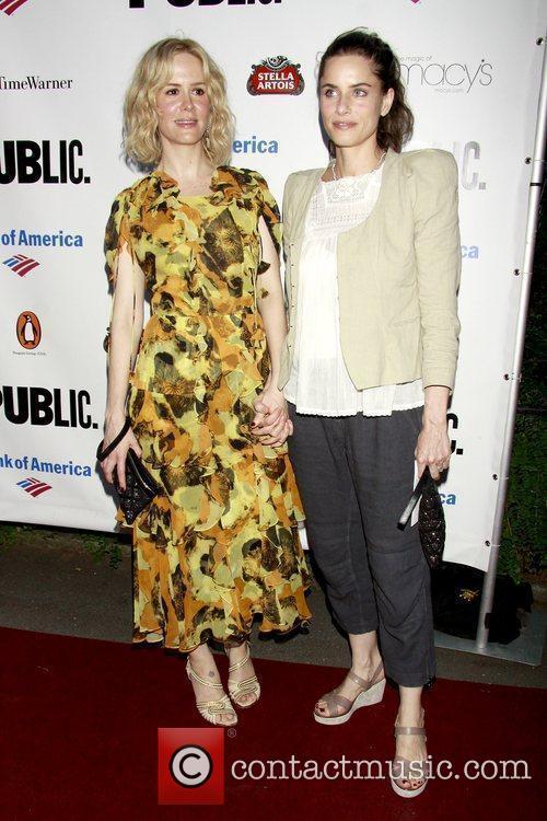 Sarah Paulson and Amanda Peet 3
