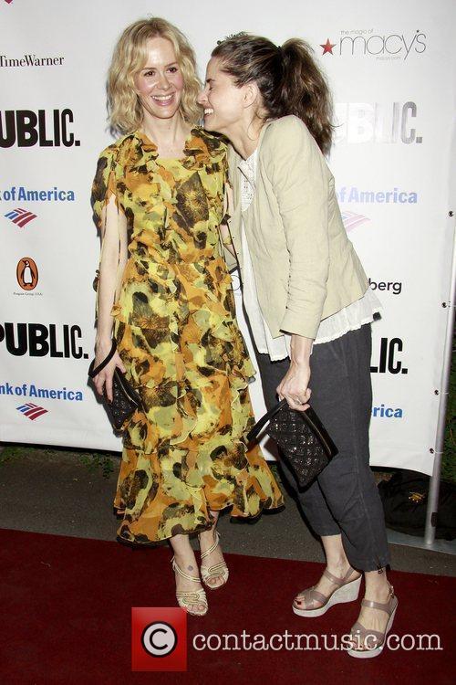 Sarah Paulson and Amanda Peet 5