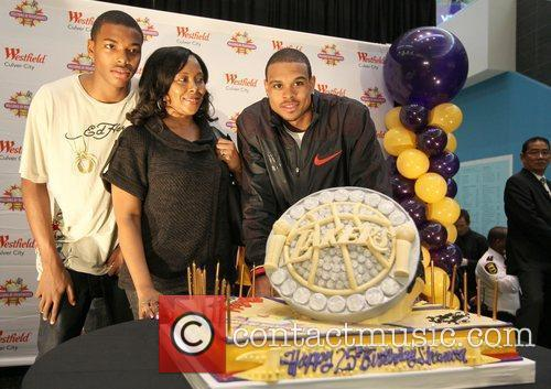 Shannon Brown and Chris Brown 1