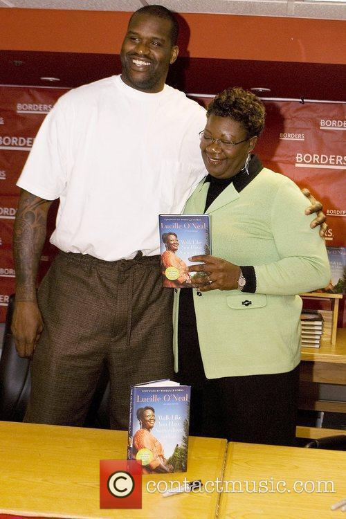 Shaquille O'neal, His Mother, Lucille O'neal and Sign Copies Of Her New Book 'walk Like You Have Somewhere To Go' At Borders.
