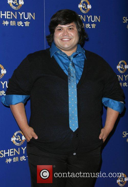 Harvey Guillen 4