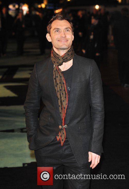 Jude Law Sherlock Holmes - UK film premiere...