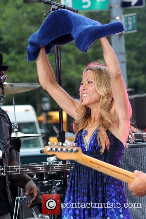 Sheryl Crow and CBS 33