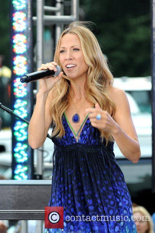 Sheryl Crow and CBS 19