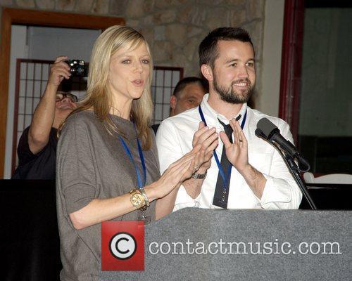 Kaitlin Olson and Rob McElhenney 2010 'Shoot in...