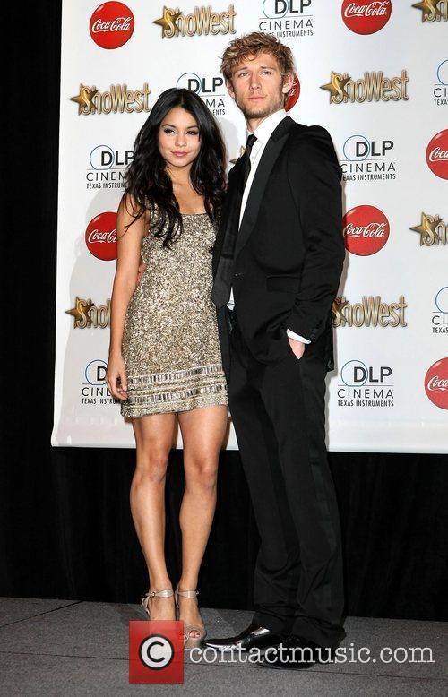 Vanessa Hudgens and Alex Pettyfer