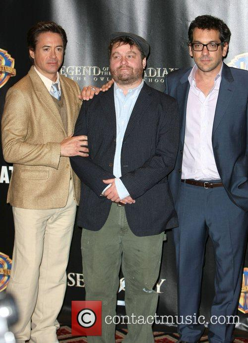 Robert Downey Jr, Warner Brothers and Zach Galifianakis 6