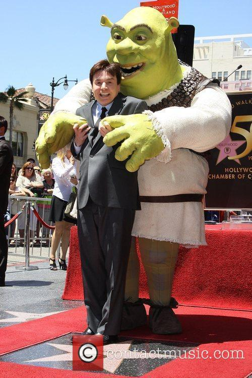Mike Myers and Shrek 16