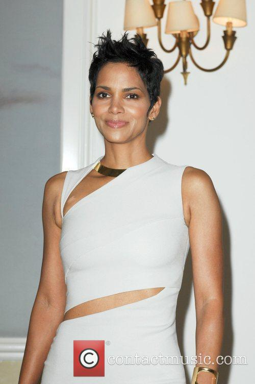 Actress Halle Berry and Halle Berry 7