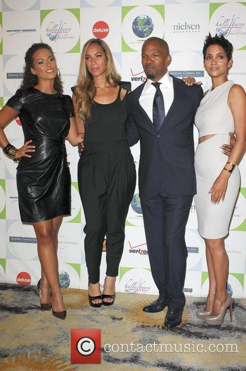 Alicia Keys, Halle Berry, Jamie Foxx and Leona Lewis 2