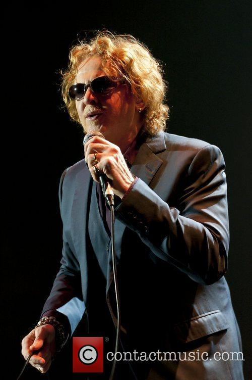Mick Hucknall & his band Simply Red perform at Motorpoint Arena. Sheffield, England