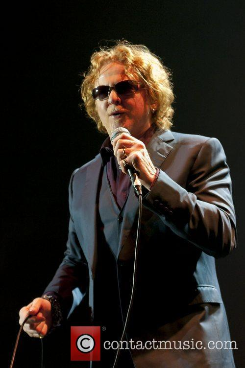 Mick Hucknall, Simply Red