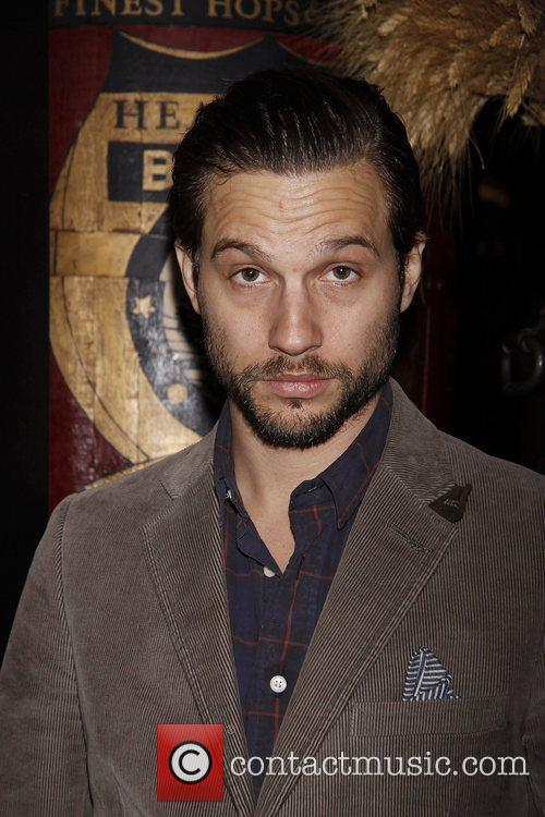 Logan Marshall-green 7