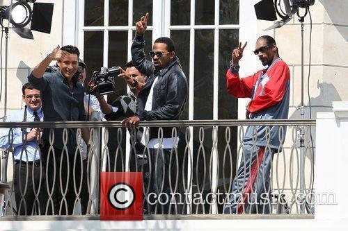 Mario Lopez, Mike Epps and Snoop Dogg filming...