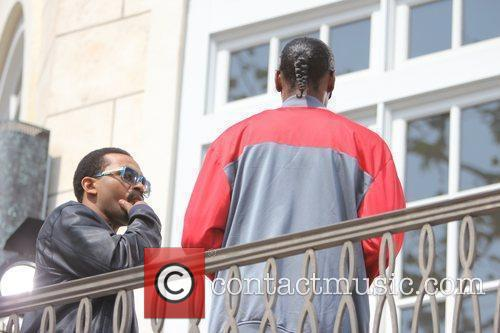 Mike Epps and Snoop Dogg filming an interview...