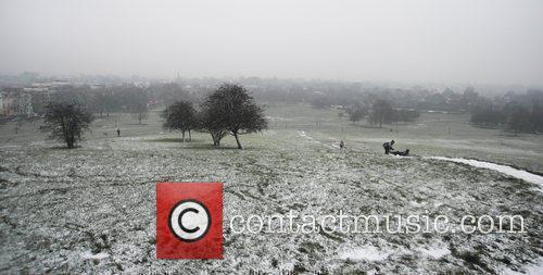 Snow falls on Primrose Hill