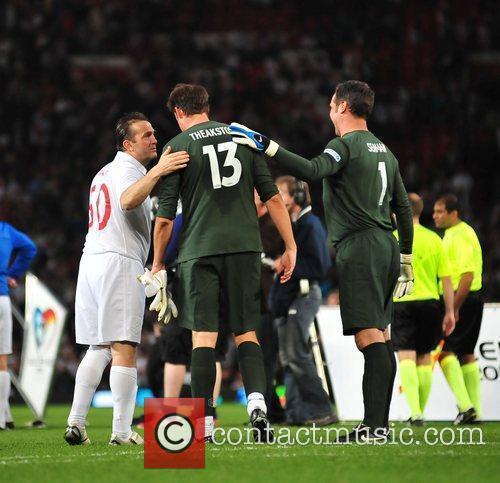 Bradley Walsh, Jamie Theakston and David Seaman 2010...