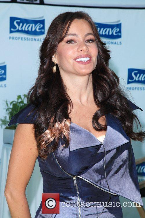 Sofia Vergara The New York flash hairography performance...